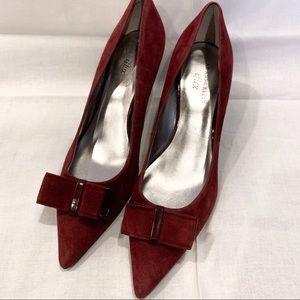 AK Anne Klein iflex pointed toe maroon bow heels